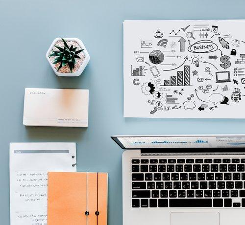 write SEO content blog laptop blue background